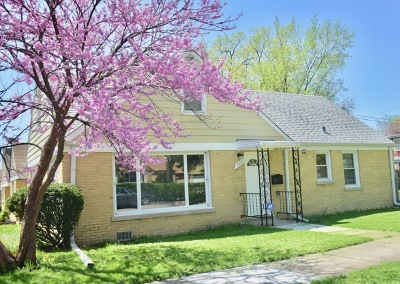 Bellwood Single Family Home Contingent: 400 52nd Avenue