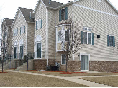 Lansing Condo/Townhouse Contingent: 2056 176th Place