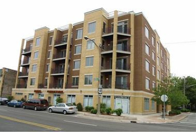 Skokie Condo/Townhouse For Sale: 8000 Kilpatrick Avenue #5C