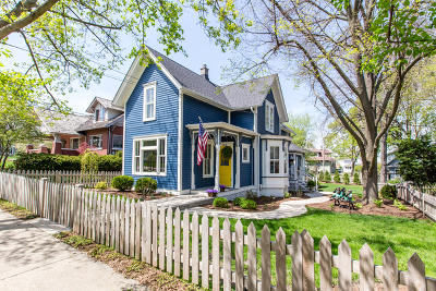 Barrington Single Family Home For Sale: 142 West Lake Street