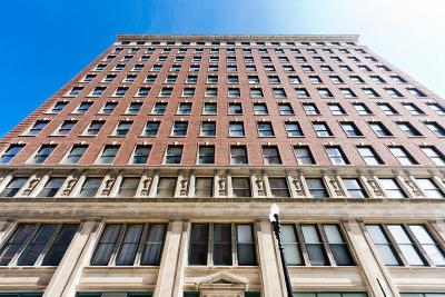 Condo/Townhouse For Sale: 888 South Michigan Avenue #400