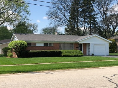 Palatine Single Family Home For Sale: 300 West Daniels Road