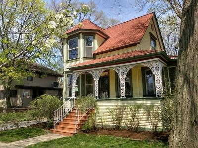 Oak Park Single Family Home For Sale: 812 Augusta Street