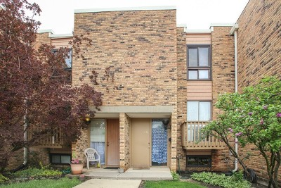 Schaumburg Condo/Townhouse Re-Activated: 1534 Sycamore Place