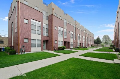 Condo/Townhouse For Sale: 6957 North Western Avenue #G