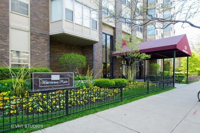 Condo/Townhouse New: 525 West Hawthorne Place #2907