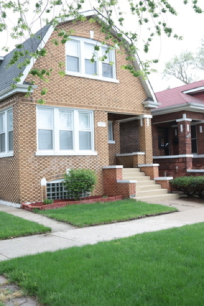 Chicago IL Single Family Home New: $230,000