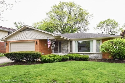 Western Springs IL Single Family Home Contingent: $479,000