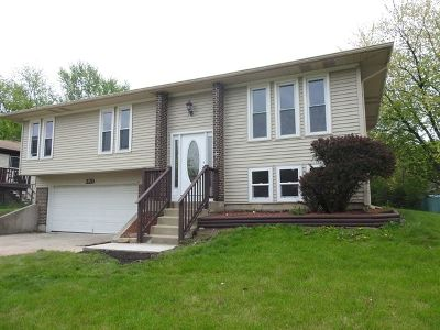Bolingbrook Single Family Home New: 329 Lancelot Court