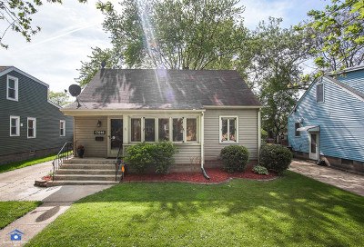 Lansing Single Family Home Contingent: 17816 Escanaba Avenue