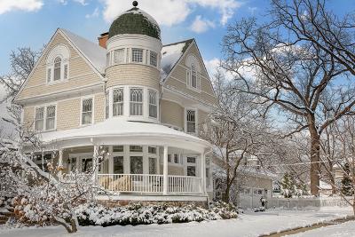 Glen Ellyn Single Family Home For Sale: 570 Anthony Street
