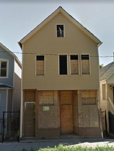 Chicago Multi Family Home New: 8841 South Escanaba Avenue