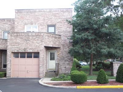 Elmhurst Condo/Townhouse For Sale: 479 North Addison Avenue #D