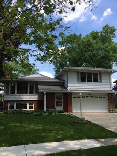 Mount Prospect Single Family Home New: 2014 East Wintergreen Avenue
