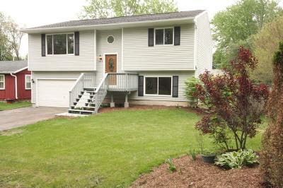 Wonder Lake IL Single Family Home New: $197,500