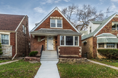 Single Family Home New: 7938 South Maplewood Avenue