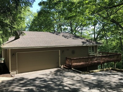 Fox River Grove Single Family Home For Sale: 808 Ridgeland Street