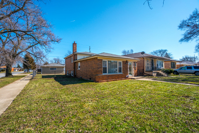 Dolton  Single Family Home For Sale: 14501 Avalon Avenue