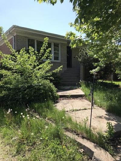 Calumet City  Single Family Home For Sale: 587 Calhoun Avenue