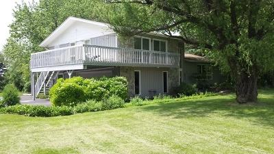 Barrington Single Family Home For Sale: 472 Knollwood Drive