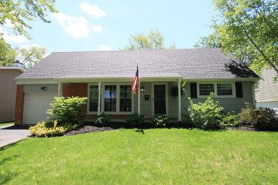 Buffalo Grove Single Family Home For Sale: 661 Maple Drive