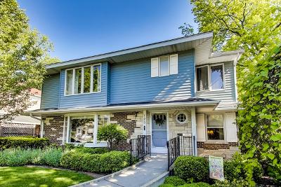Elmhurst Single Family Home For Sale: 123 Harbour Terrace