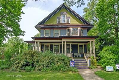 Oak Park Single Family Home For Sale: 733 Clinton Avenue