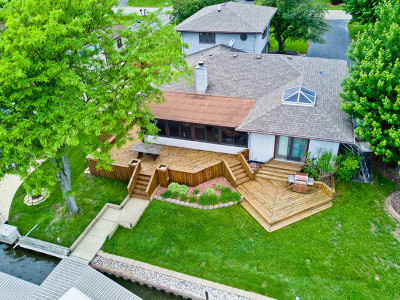 McHenry Single Family Home For Sale: 911 Fortress Drive