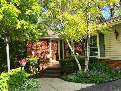 Arlington Heights Single Family Home For Sale: 1624 East Jonquil Terrace