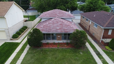 Dolton  Single Family Home For Sale: 14537 Sanderson Avenue