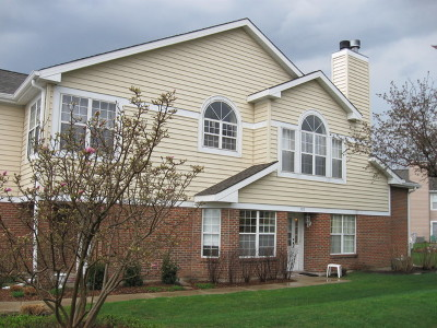 Arlington Heights Condo/Townhouse For Sale: 765 West Happfield Drive