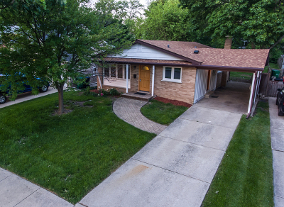 Lombard Single Family Home Contingent: 549 South Park Road