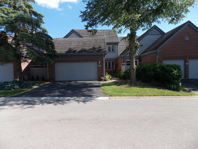 Burr Ridge Condo/Townhouse For Sale: 40 Thornhill Court