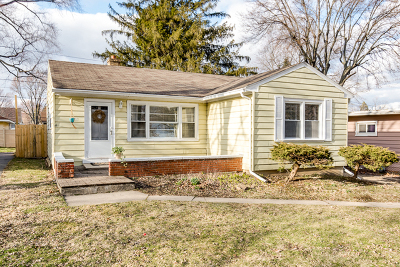 St. Charles Single Family Home For Sale: 511 Division Street
