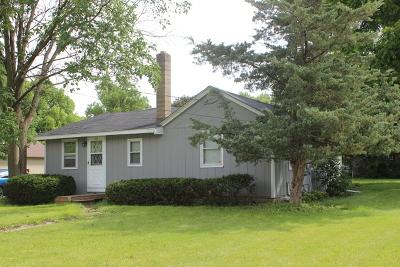 Oswego Single Family Home Contingent: 136 East Washington Street