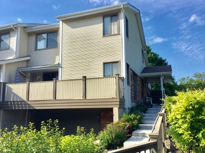 Northbrook Condo/Townhouse Re-Activated: 1027 Sussex Drive