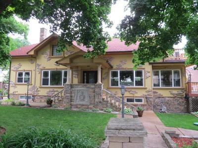 Johnsburg Single Family Home For Sale: 800 Oak Grove Road