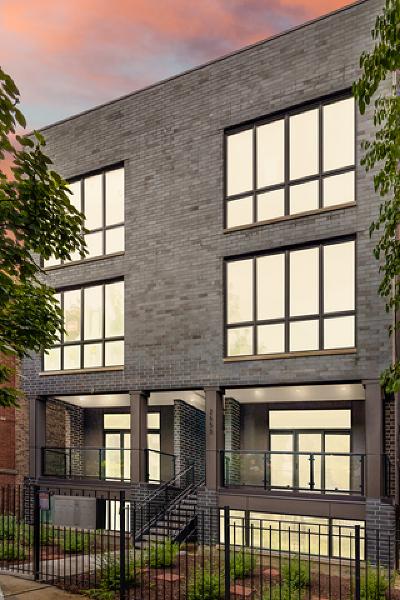 Condo/Townhouse For Sale: 2652 North Bosworth Avenue #2N