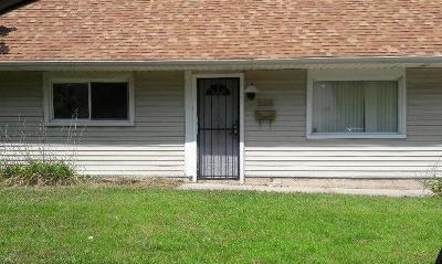 Park Forest Single Family Home For Sale: 228 Arrowhead Street