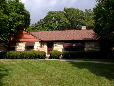 Orland Park, Tinley Park, Evergreen Park, Oak Lawn, Matteson, Olympia Fields, Flossmoor, Frankfort, Country Club Hills, Richton Park, Palos Heights, Palos Park, Palos Hills, Orland Hills, Homewood, Crestwood Single Family Home For Sale: 12561 South 68th Court