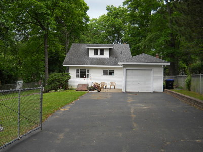 Spring Grove Single Family Home For Sale: 7513 Carleton Drive