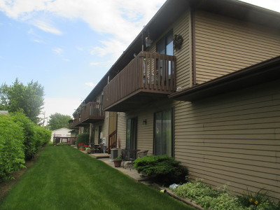 Woodstock Condo/Townhouse For Sale: 555 Central Parkway #H