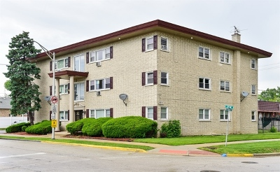Bellwood Condo/Townhouse For Sale: 5011 St Charles Road #201