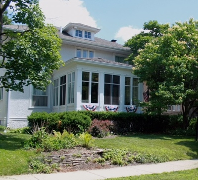 Elgin Single Family Home For Sale: 911 Douglas Avenue