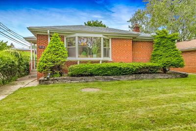 Skokie Single Family Home Contingent: 7616 Lowell Avenue