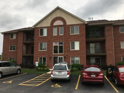 Orland Park Condo/Townhouse Re-Activated: 6975 Heritage Circle #2-1D