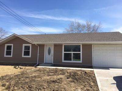 Streamwood Single Family Home For Sale: 403 South Park Boulevard