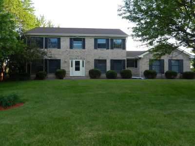St. Charles Single Family Home For Sale: 6n762 Foxborough Road