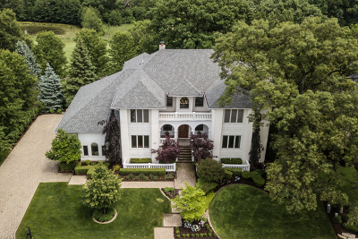 Lemont Single Family Home For Sale: 48 Sawgrass Drive