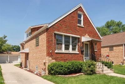 North Riverside Single Family Home For Sale: 2422 South 2nd Avenue
